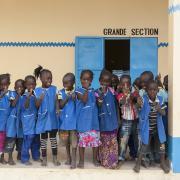 Kinder vor Epicenter in Benin (Foto von Johannes Ode)