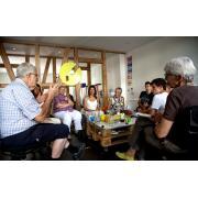Senior/-in mit Erfahrung im Generationendialog für Co-Leitung job image